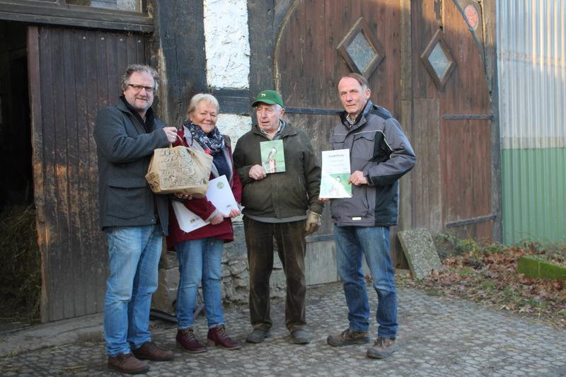 Auszeichnung für den schwalbenfreundlichen Hof Lohmann in Lage-Billinghausen