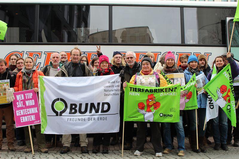 BUND Lippe zeigt in Berlin Flagge