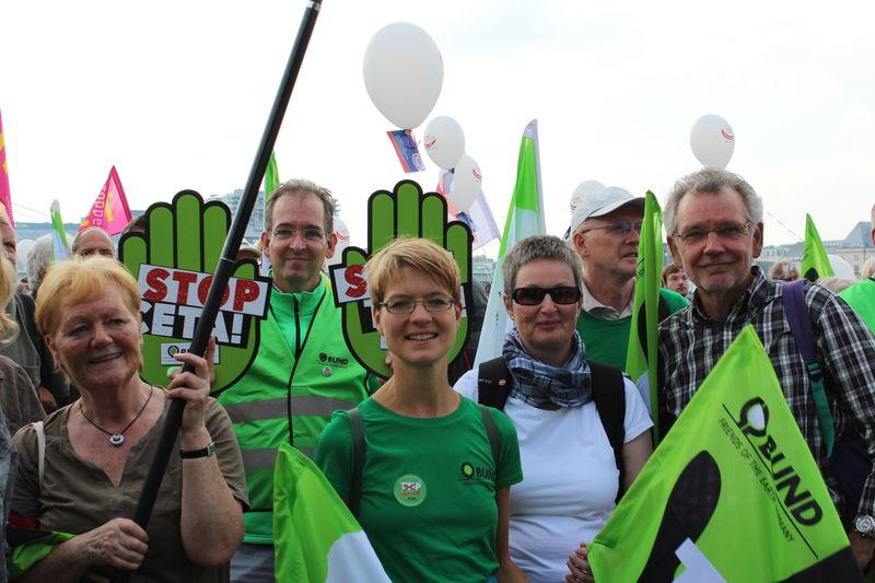 BUND Lippe zeigt Flagge gegen TTIP und CETA