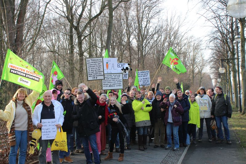 """Die BUND Kreisgruppe Lippe in Berlin zur Demo """"Wir haben es satt"""" für eine ökologischere und faire Landwirtschaft, Foto: Stephan Culemann"""