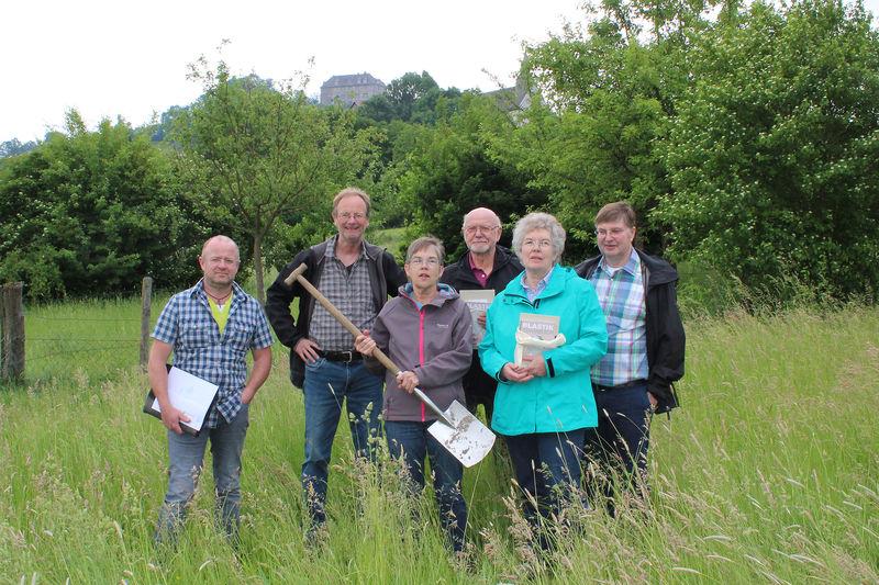 BUND Lippe plant eine Streuobstwiese in Schwalenberg